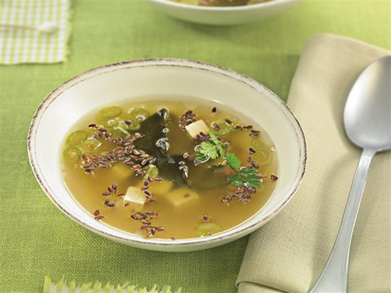 Zuppa di miso con semi di lino