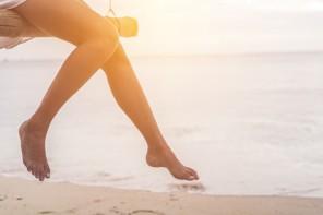 ¿Piernas hinchadas? Puedes prevenirlas con dieta y masajes