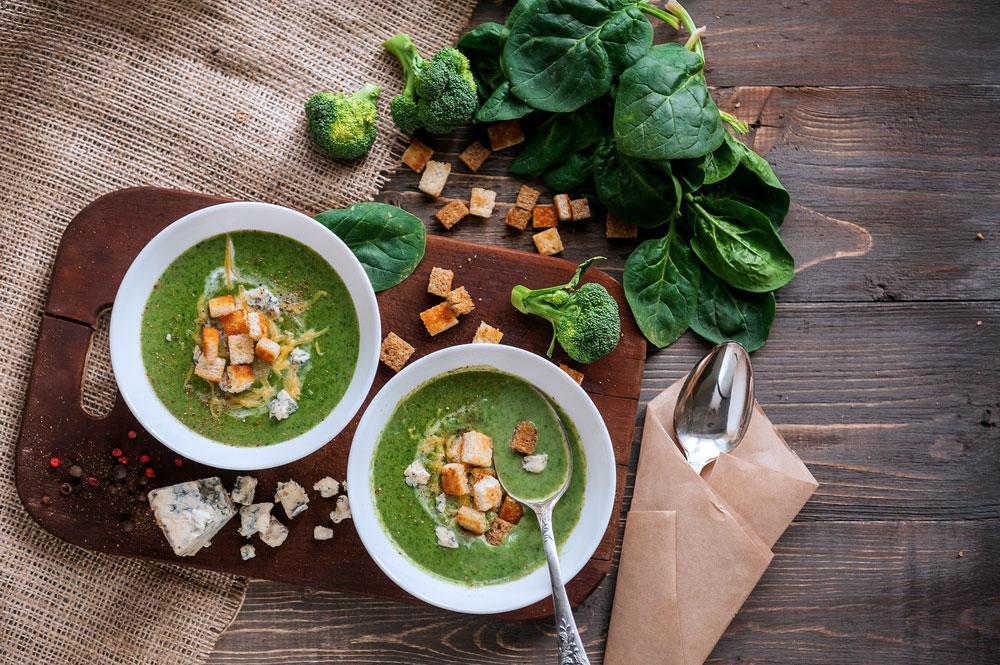 Sopa de espinacas y brócoli