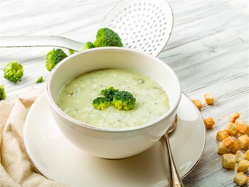 Receta invierno Crema de brócoli y copos de avena - Crema di broccoli e fiocchi d'avena