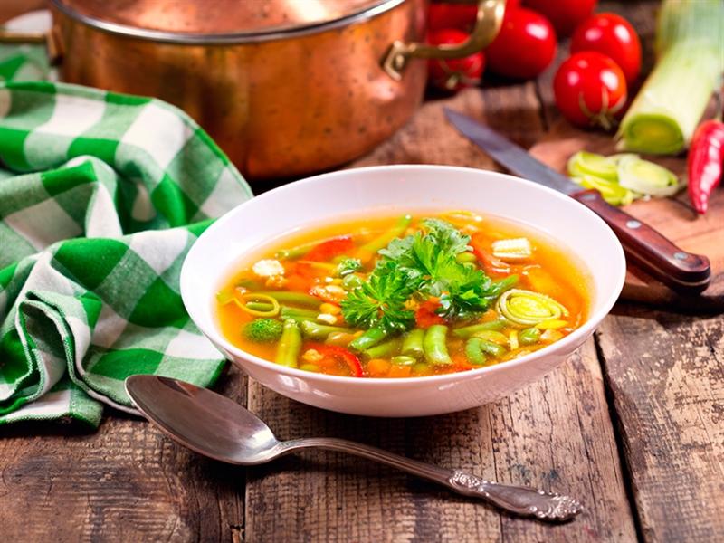 Receta invierno Menestra de verduras y soja verde bio - Minestra di verdure e soia verde