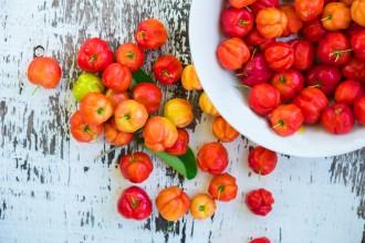 Acerola, una super frutta piena di vitamina C