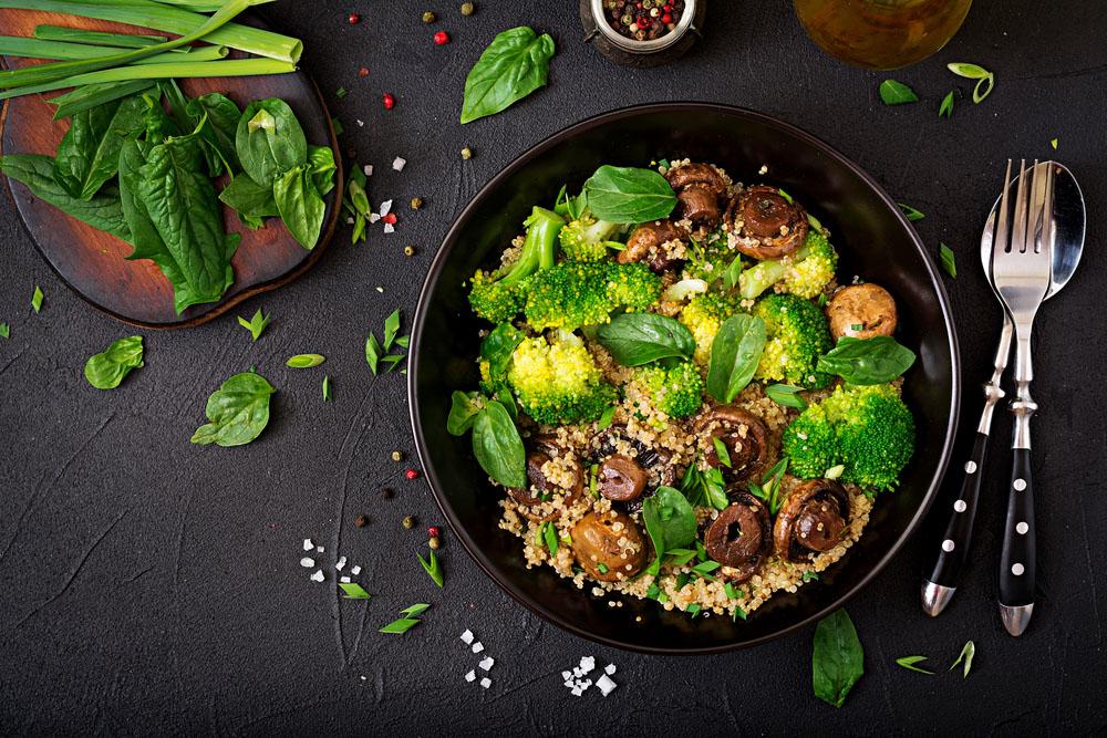 insalata di quinoa e funghi