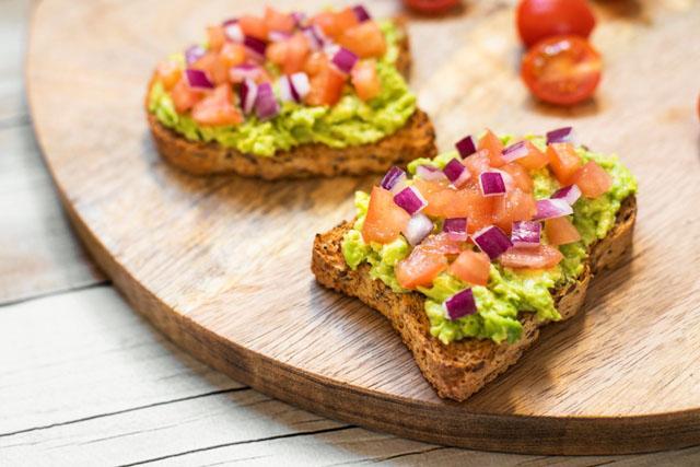 Pan Dextrín con avocado e toppings