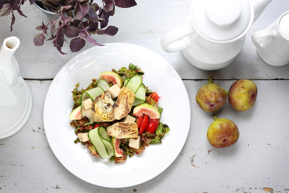 Ensalada de alcachofas tofu y higos