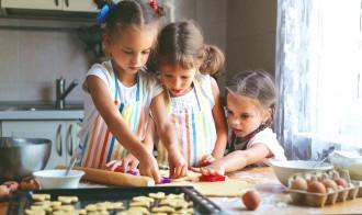 cucinare insieme ai bambini in modo che mangino meglio